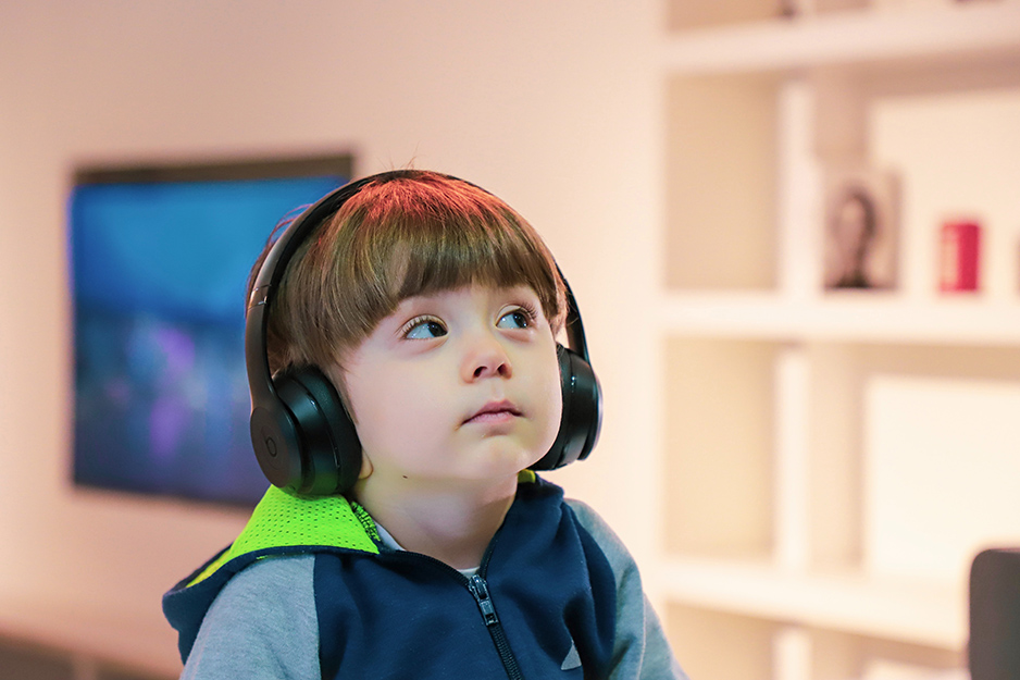 Four Bluetooth headphones that protect your kids' ears