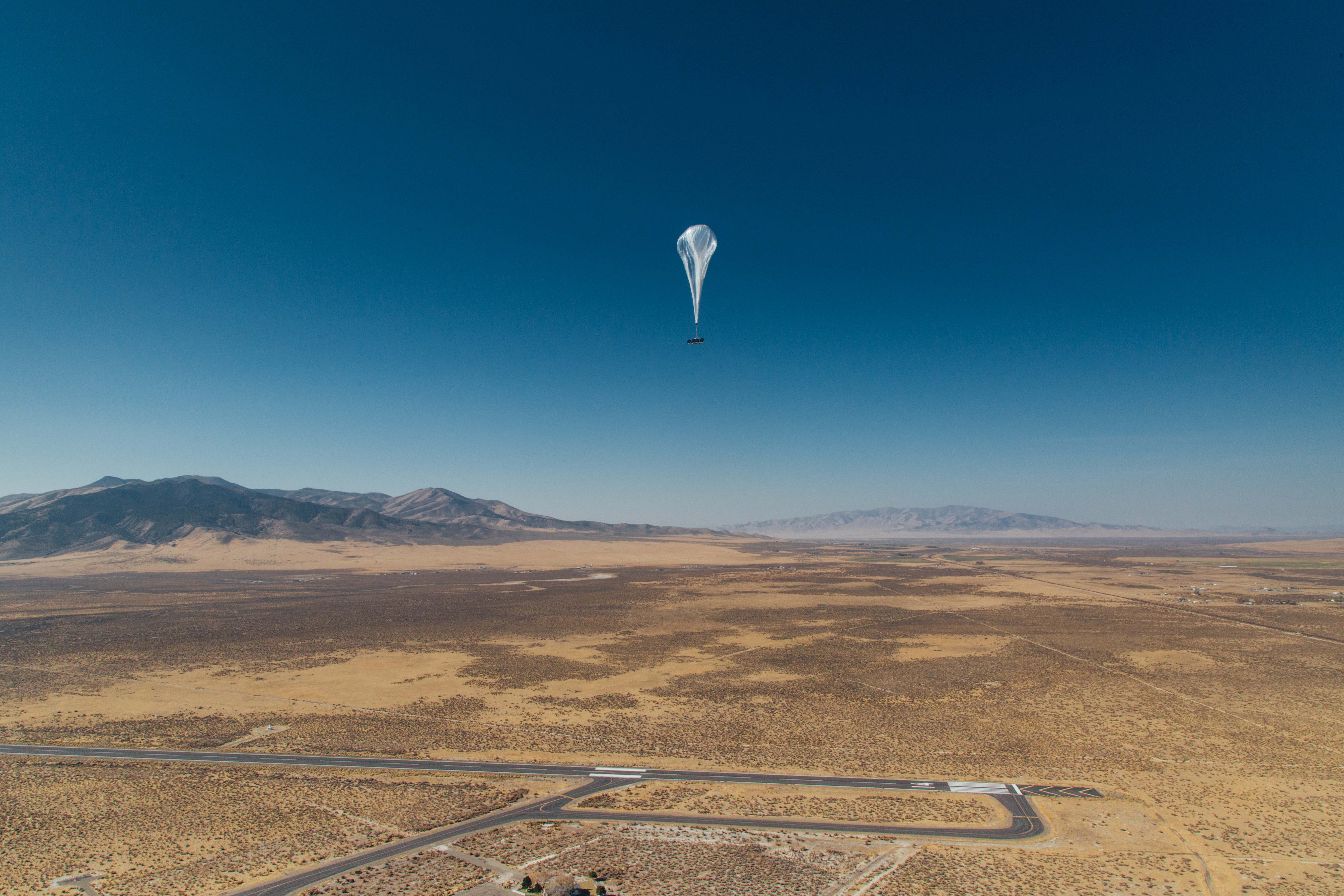 How do those internet balloons over Puerto Rico work?