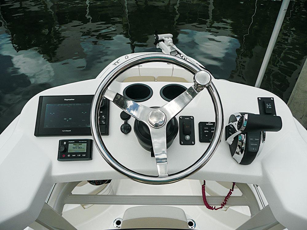 Boat Review Boston Whaler 240 Dauntless Pro   Salt Water