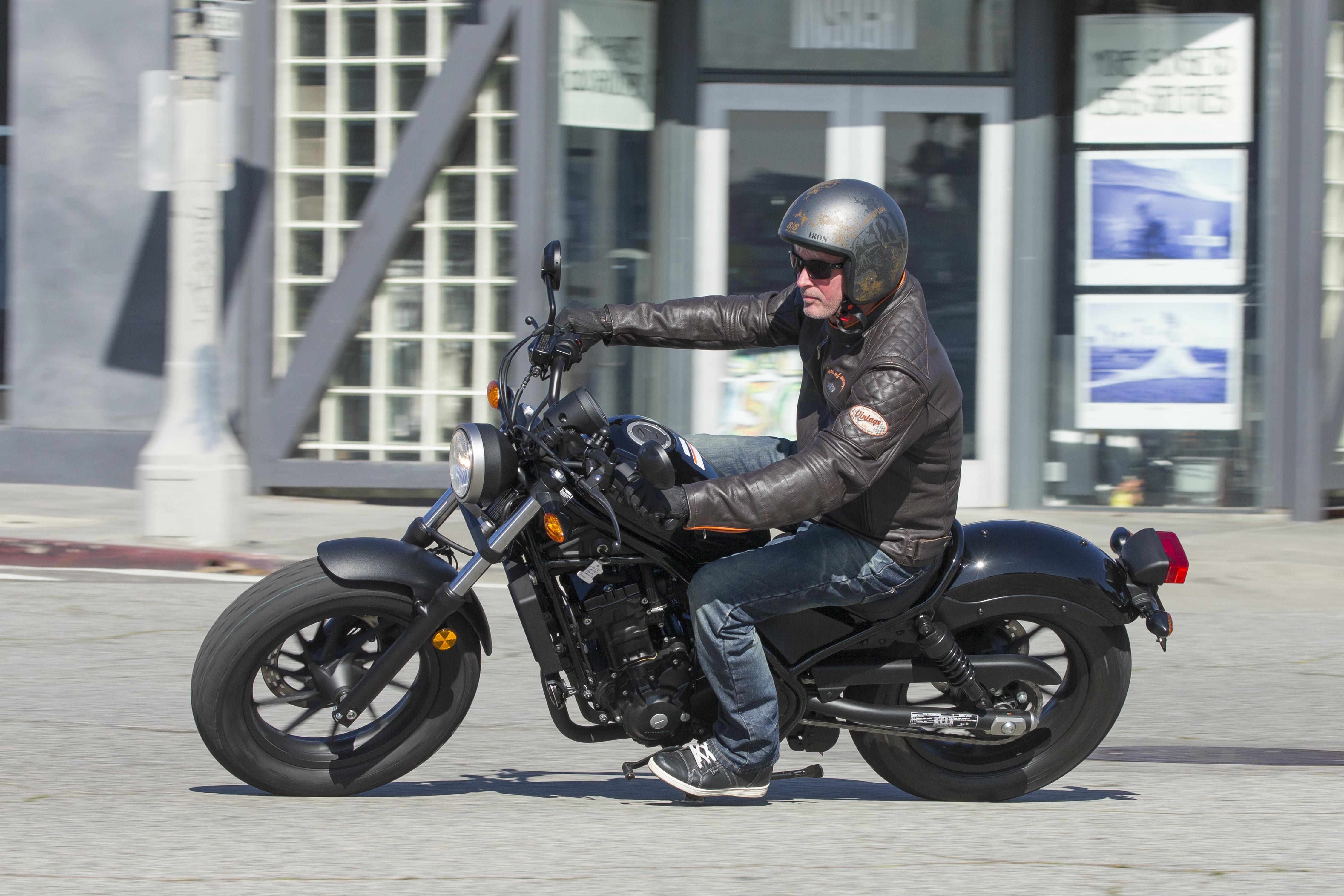 2017 Honda Rebel 300 & Rebel 500 Cruiser Motorcycle Review