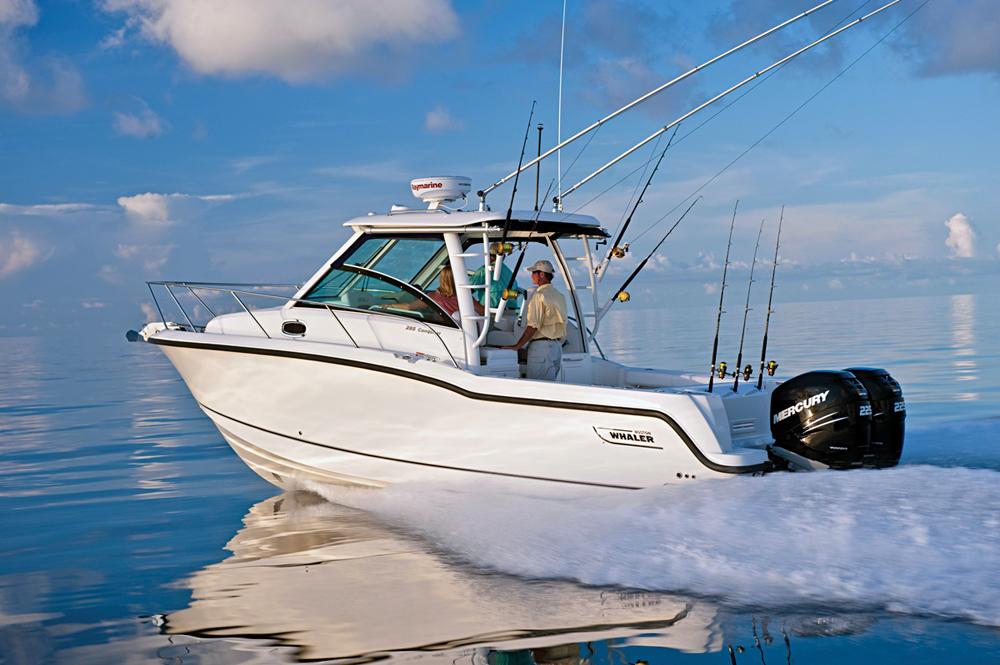 Walkaround vs Pilothouse | Boating Magazine