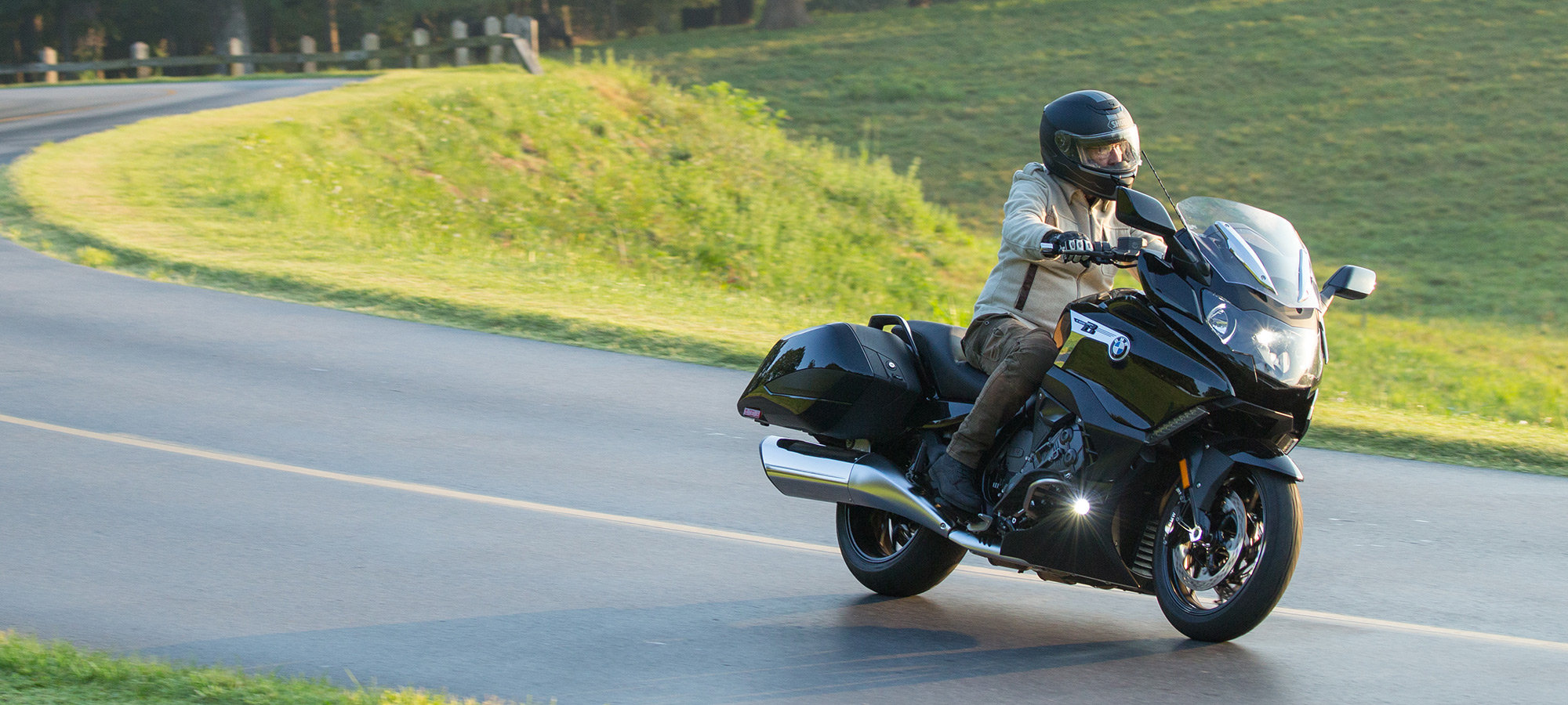 2018 BMW K1600B Review- Touring Bagger   Cycle World