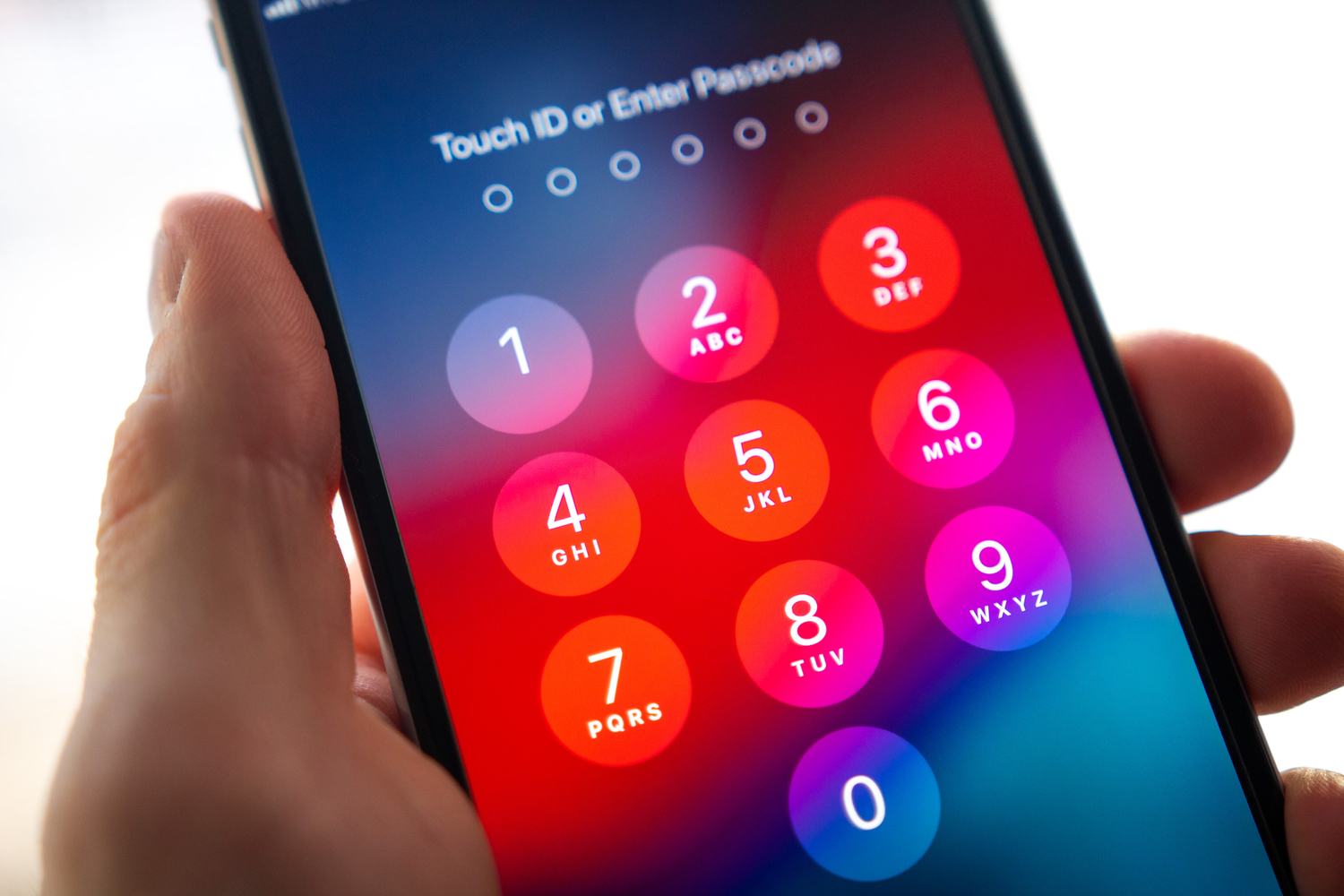 app that takes pic of person unlocking iphone free