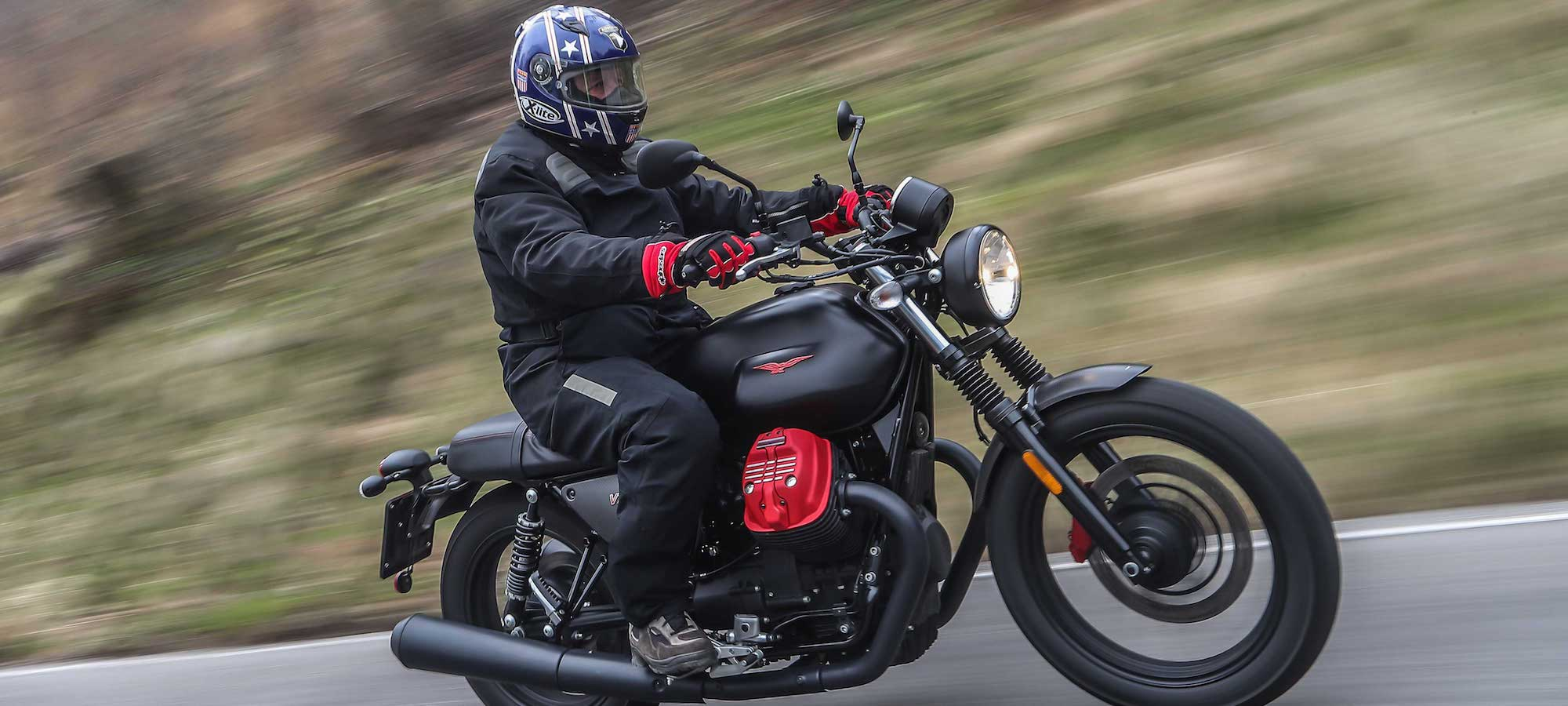 2018 Moto Guzzi V7 III Carbon Dark Review | Cycle World