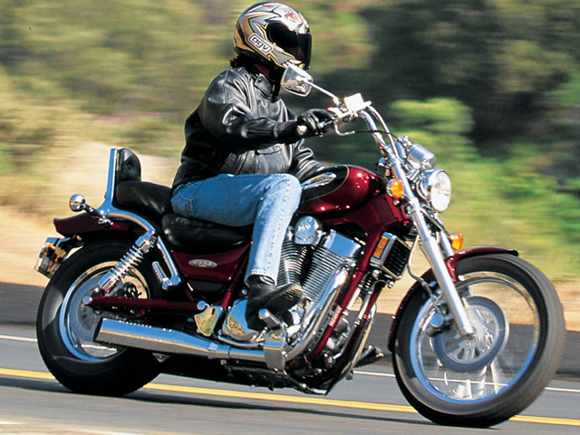 Motorcycle Road Test: Suzuki Intruder 1400 | Motorcycle Cruiser