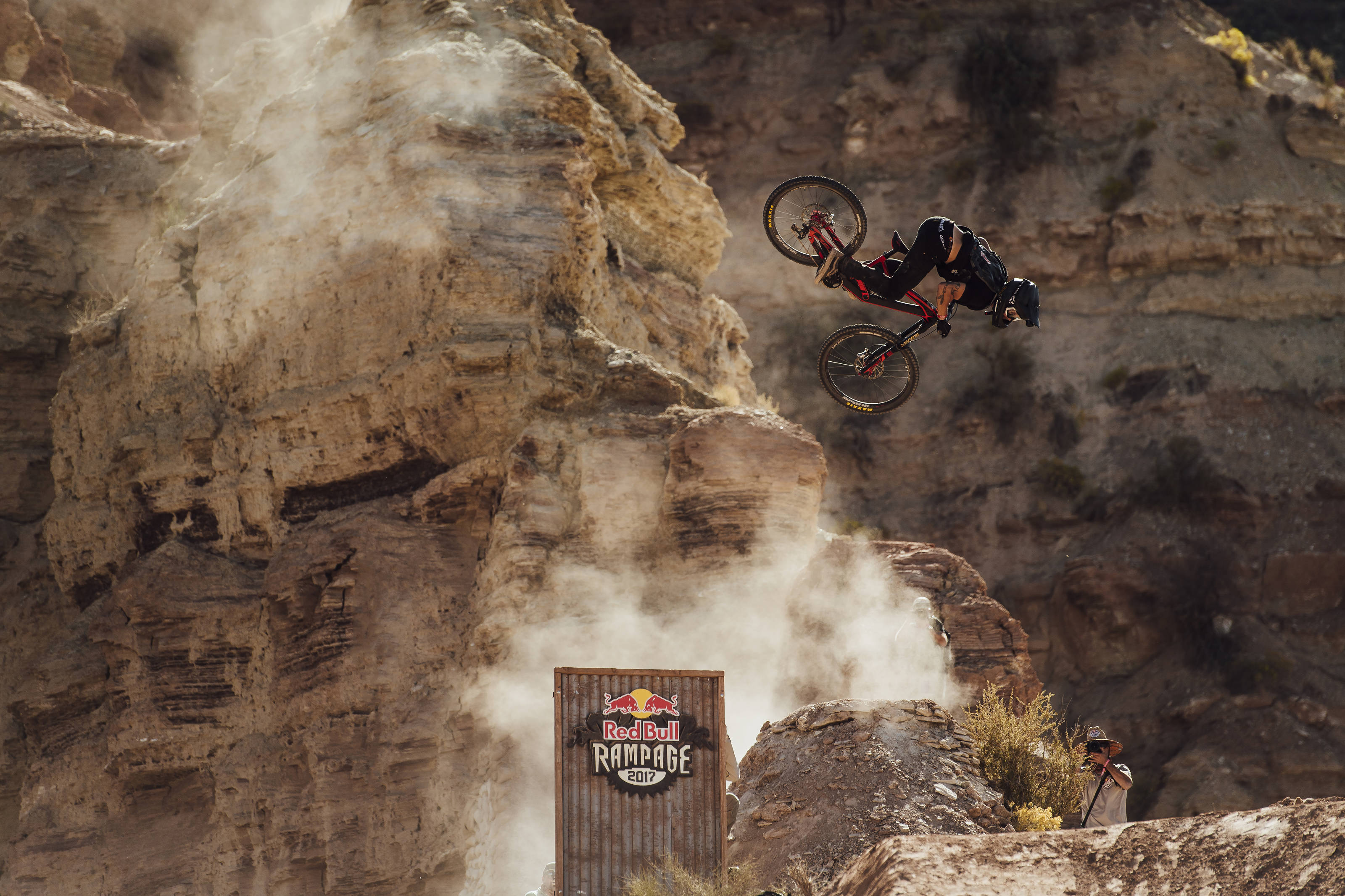 812112426f0 Meet the mountain bikes built to survive a backflip off a cliff | Popular  Science