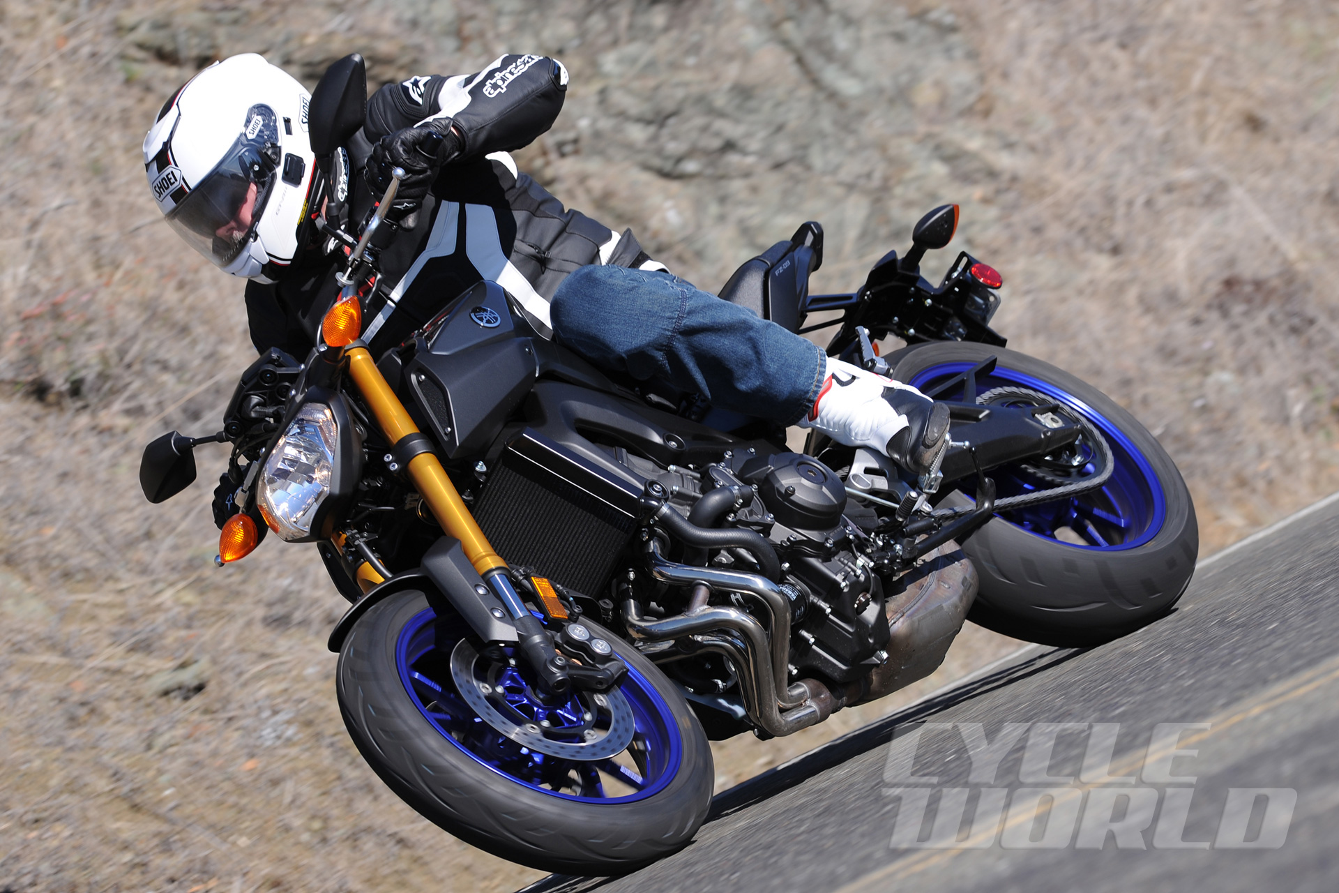 2014 Yamaha FZ-09 First Ride Review- Photos- Pricing- Specs | Cycle