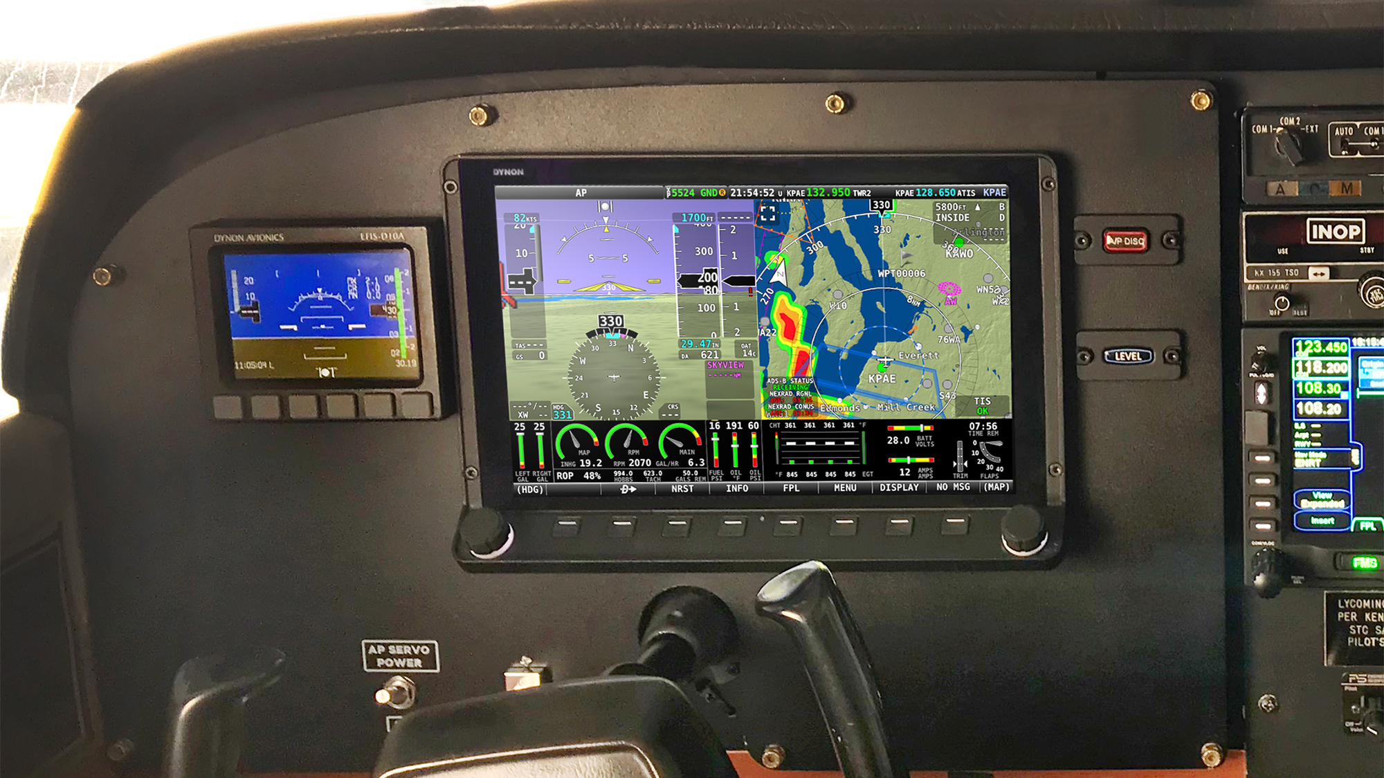 What Pilots Need to Know about Retrofit Avionics | Flying