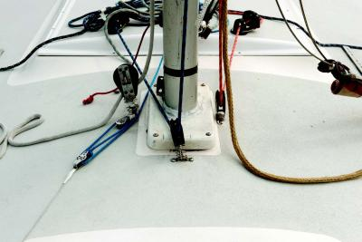 A Centered Mast in 10 Steps | Sailing World