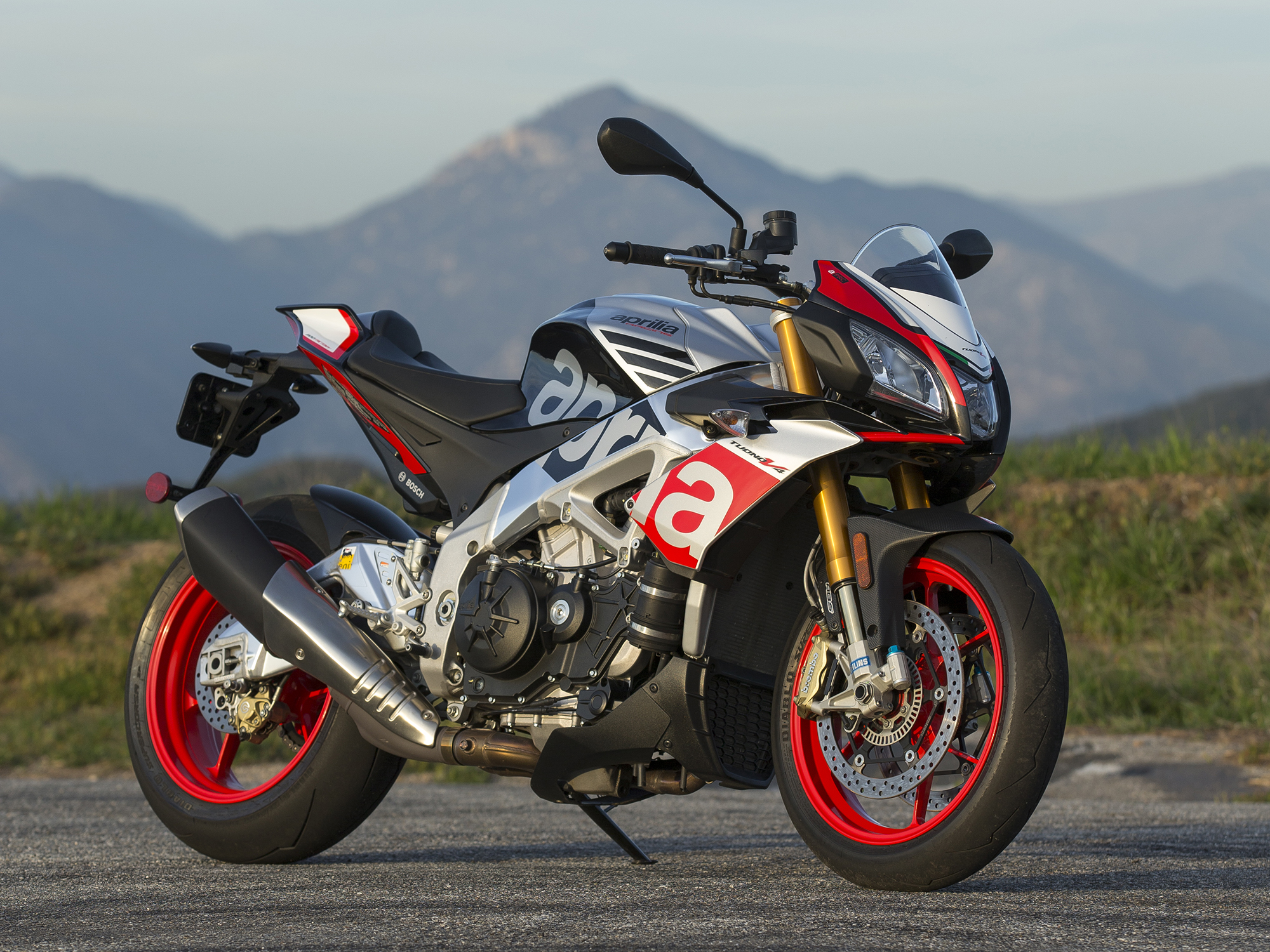 2016 Aprilia Tuono V4 1100 Factory Review | Cycle World