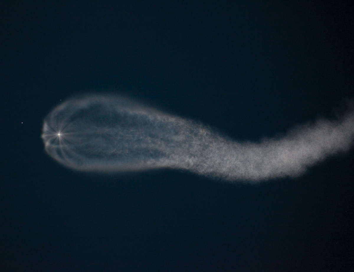 High-Flying Rocket Plumes And Other Amazing Images Of The Week