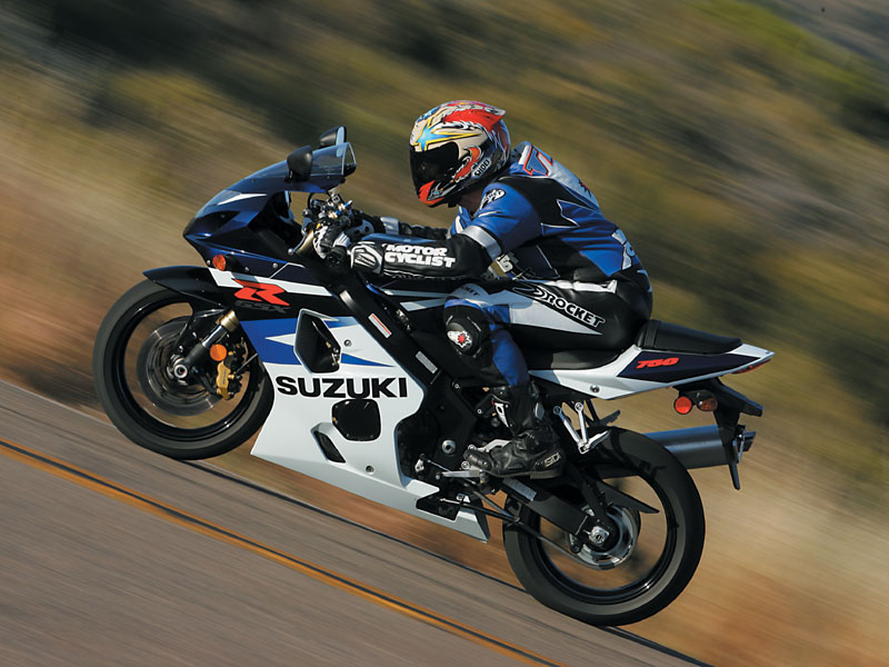 2004 Suzuki GSX-R750 | Road Test & Review | Motorcyclist