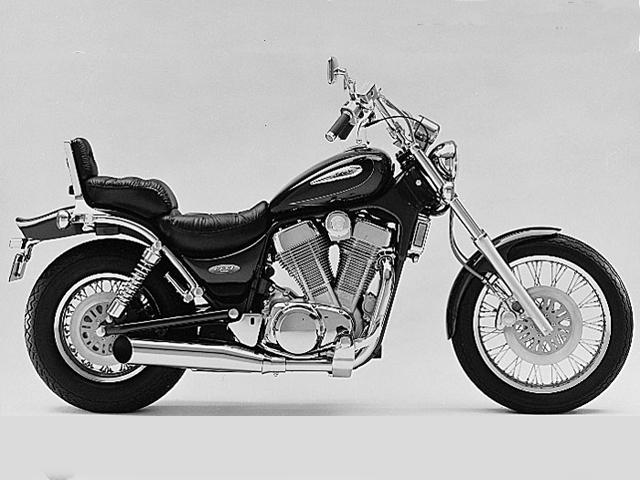 Motorcycle Road Test: Suzuki Intruder 1400 | Motorcycle Cruiser