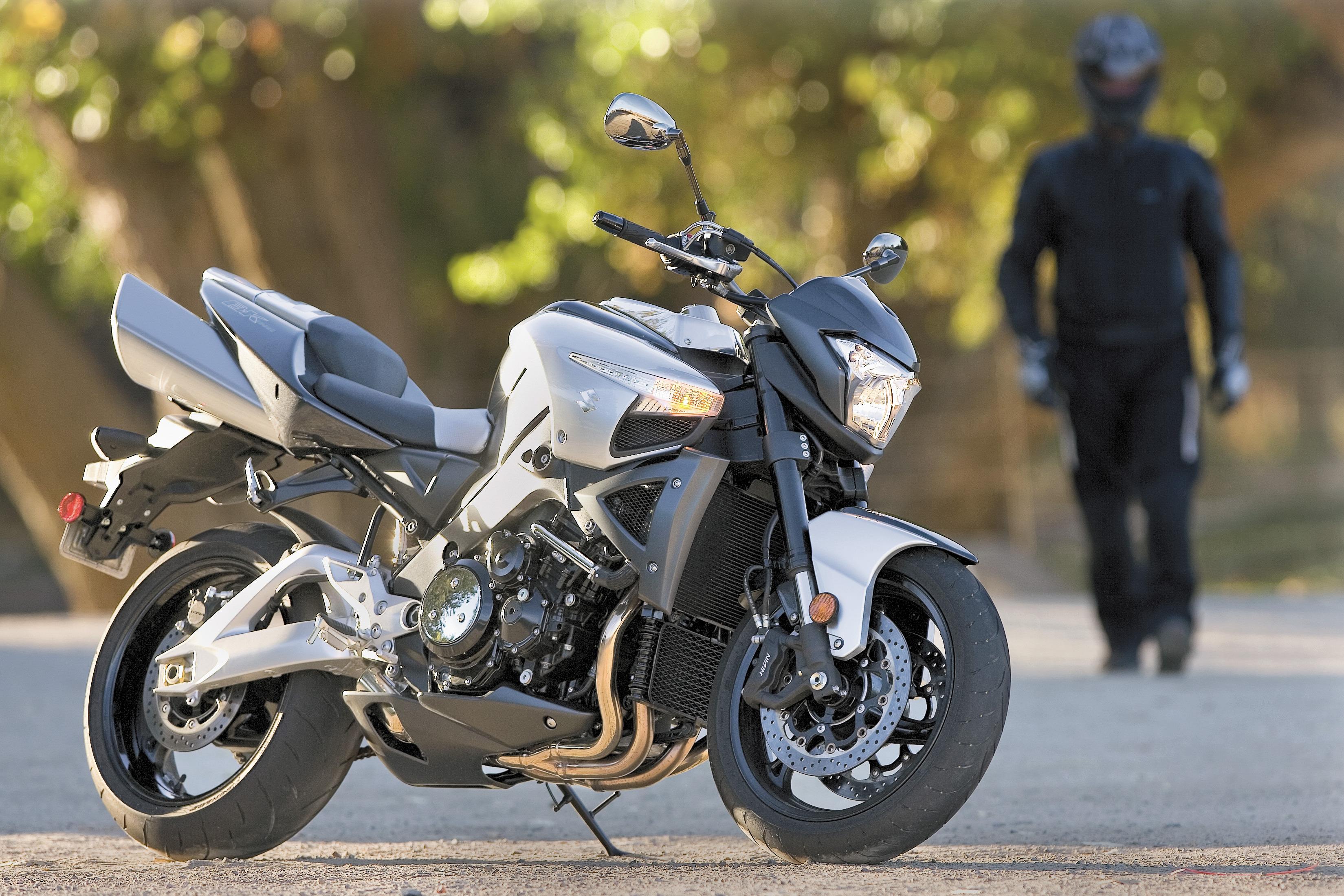 Suzuki B-King Naked Bike Motorcycle Review | Cycle World