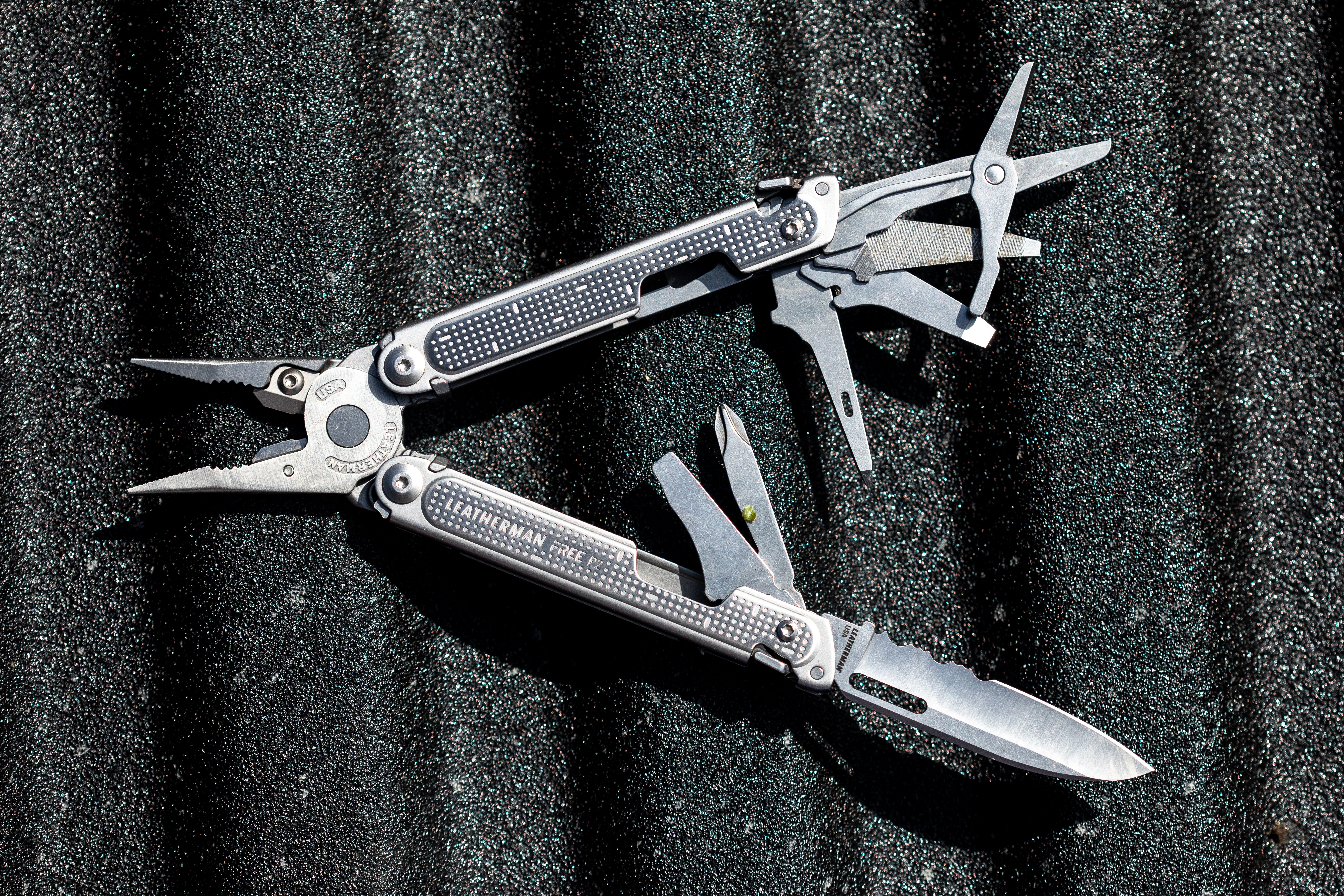 Magnets make the Leatherman Free P2 multitool shockingly easy to use one-handed