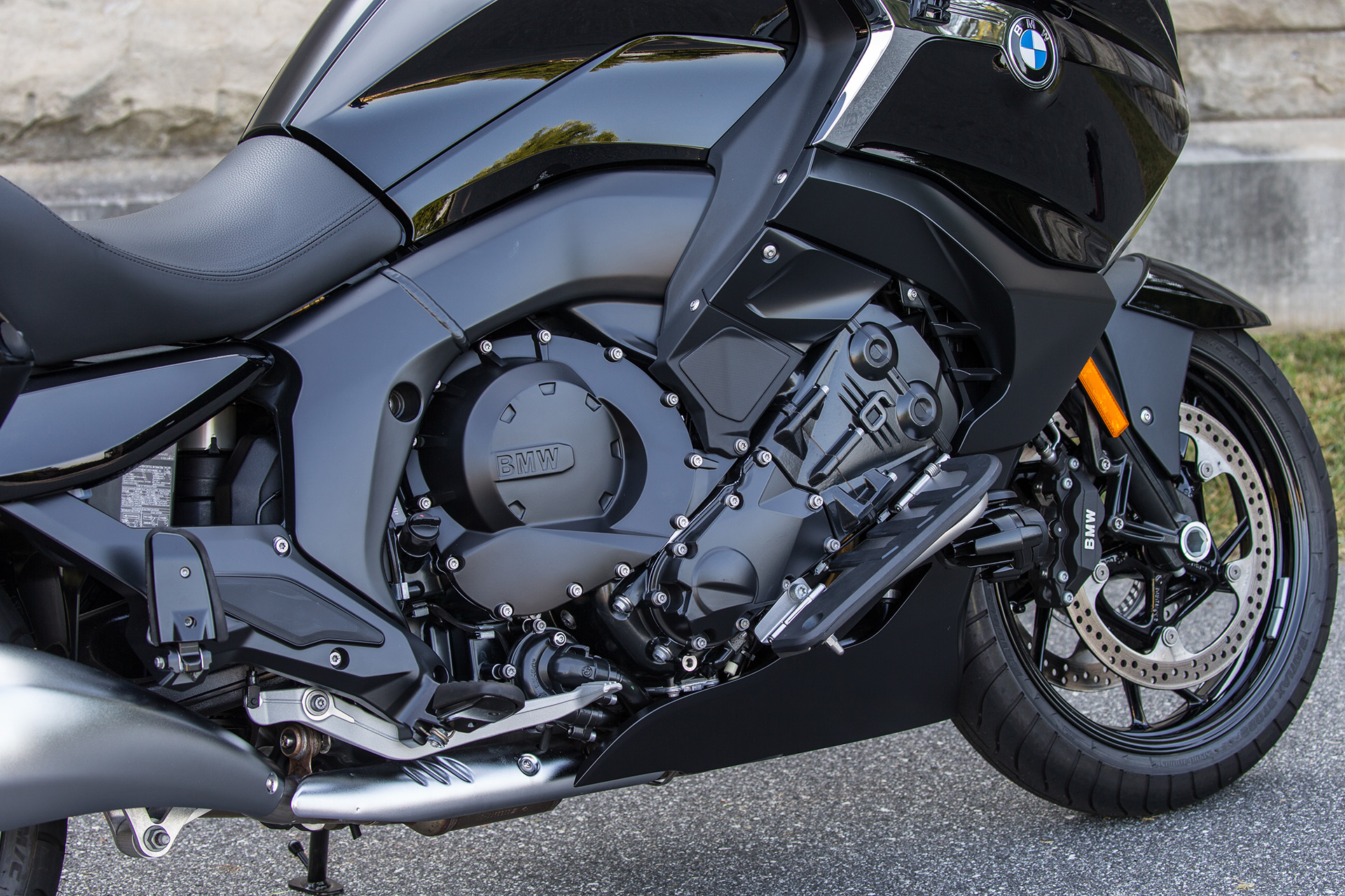 2018 BMW K1600B Review- Touring Bagger | Cycle World