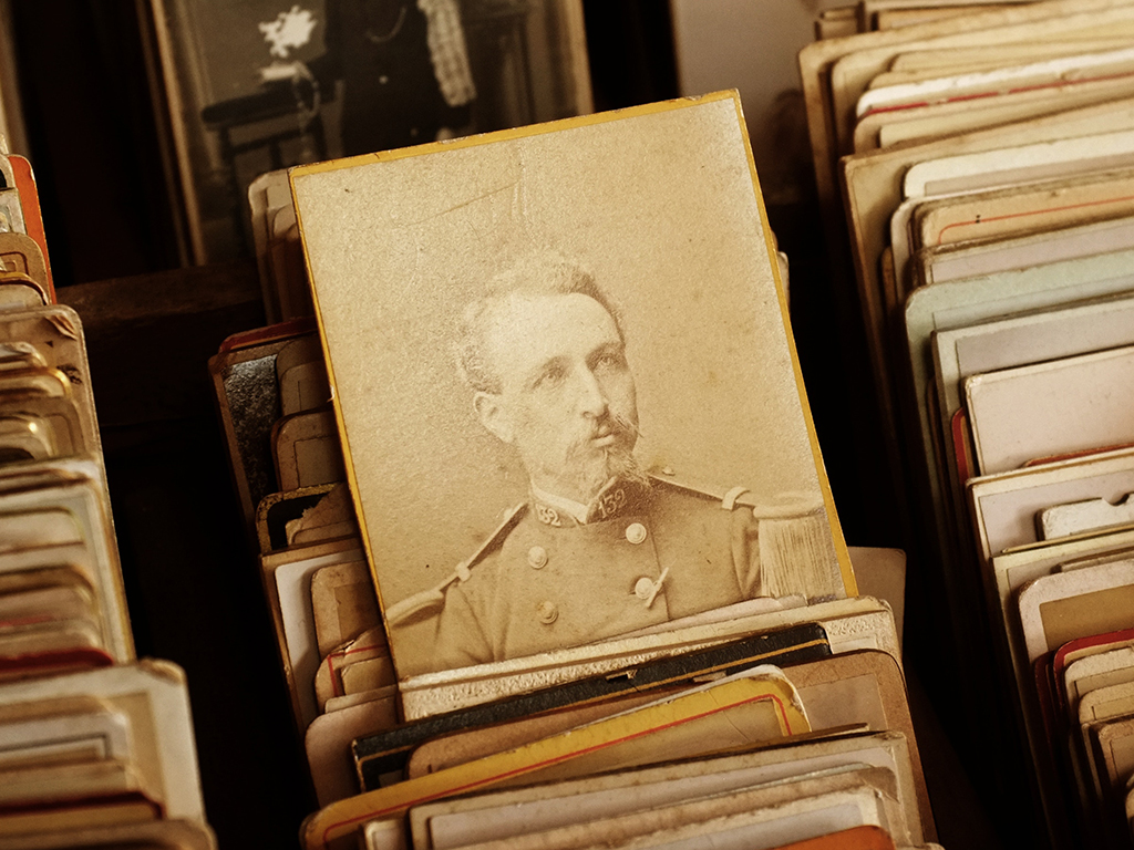 Restore old print photos with free software