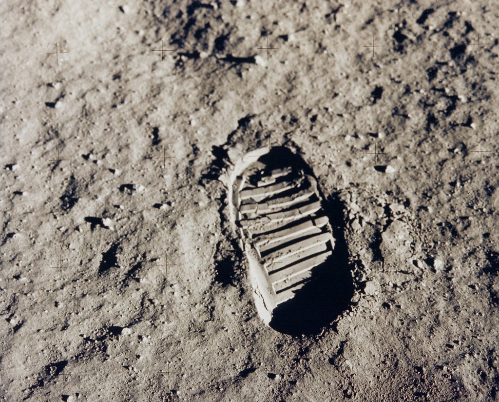 Buzz Aldrin sloshed around in pee on the moon (and 11 other Apollo facts)