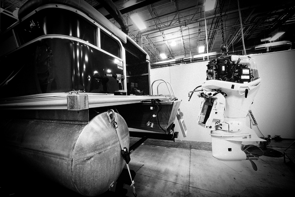 Choosing the Right Pontoon Boat Engine | Boating Magazine