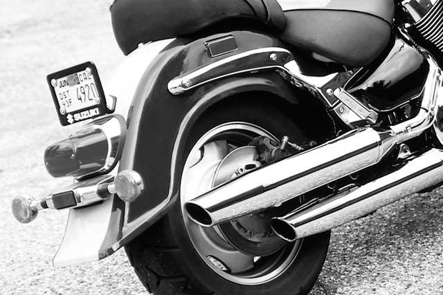 Motorcycle Road Test: Suzuki Intruder 1500 LC   Motorcycle Cruiser