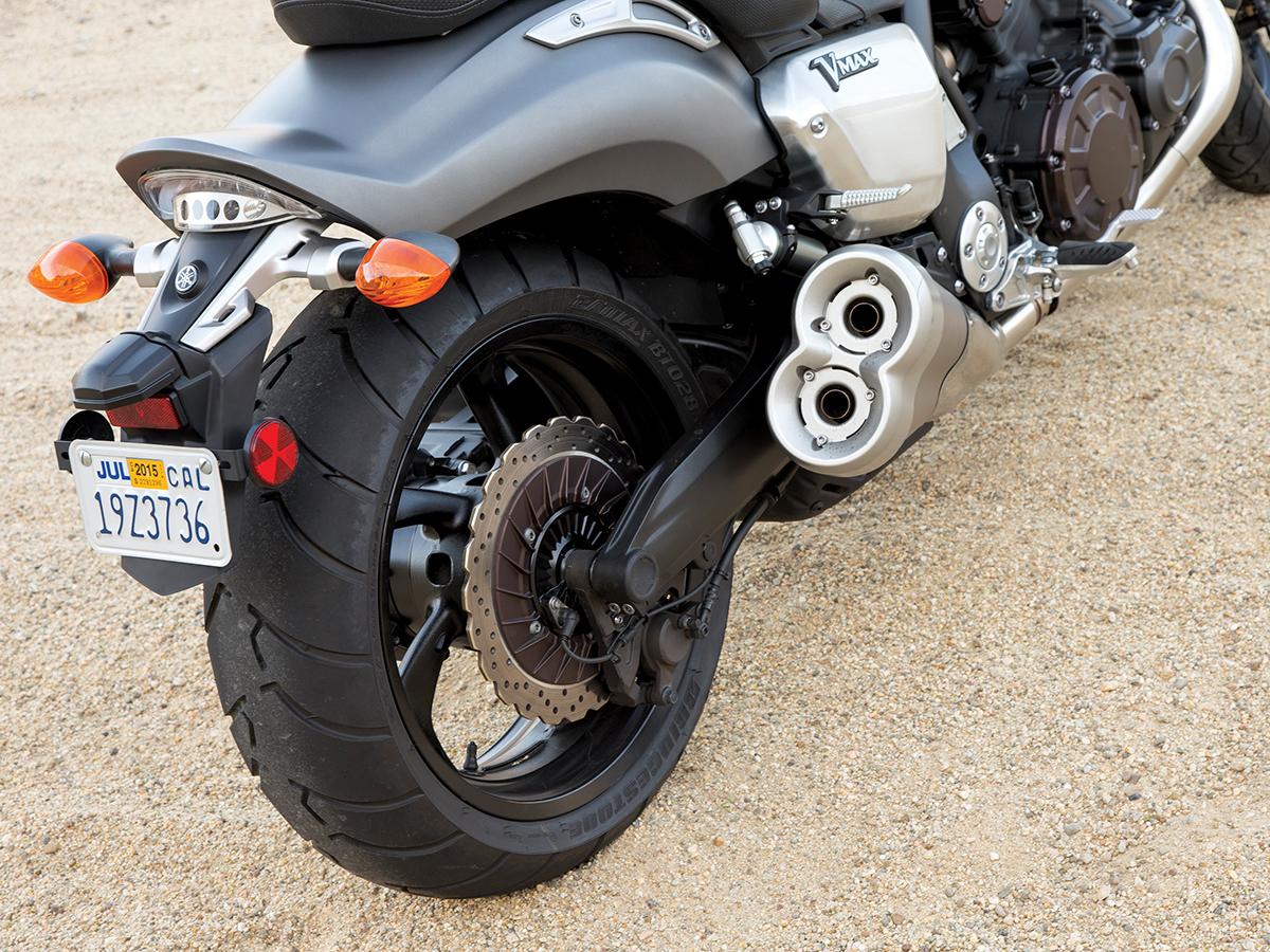 COMPARISON TEST: Ducati Diavel Carbon vs  Honda Gold Wing Valkyrie
