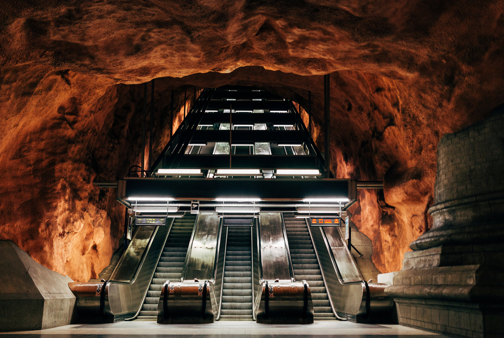 Humans could survive underground, but it would take a lot more than shovels