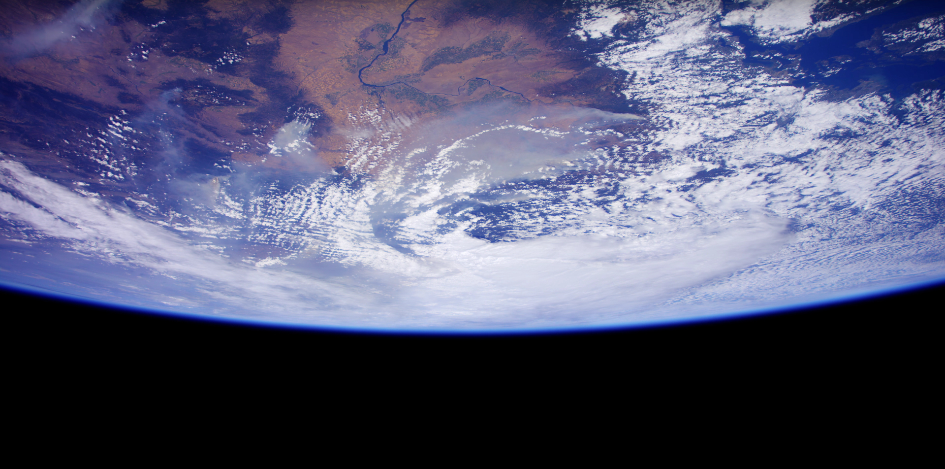 See The Earth In 4k From The Space Station Popular Science