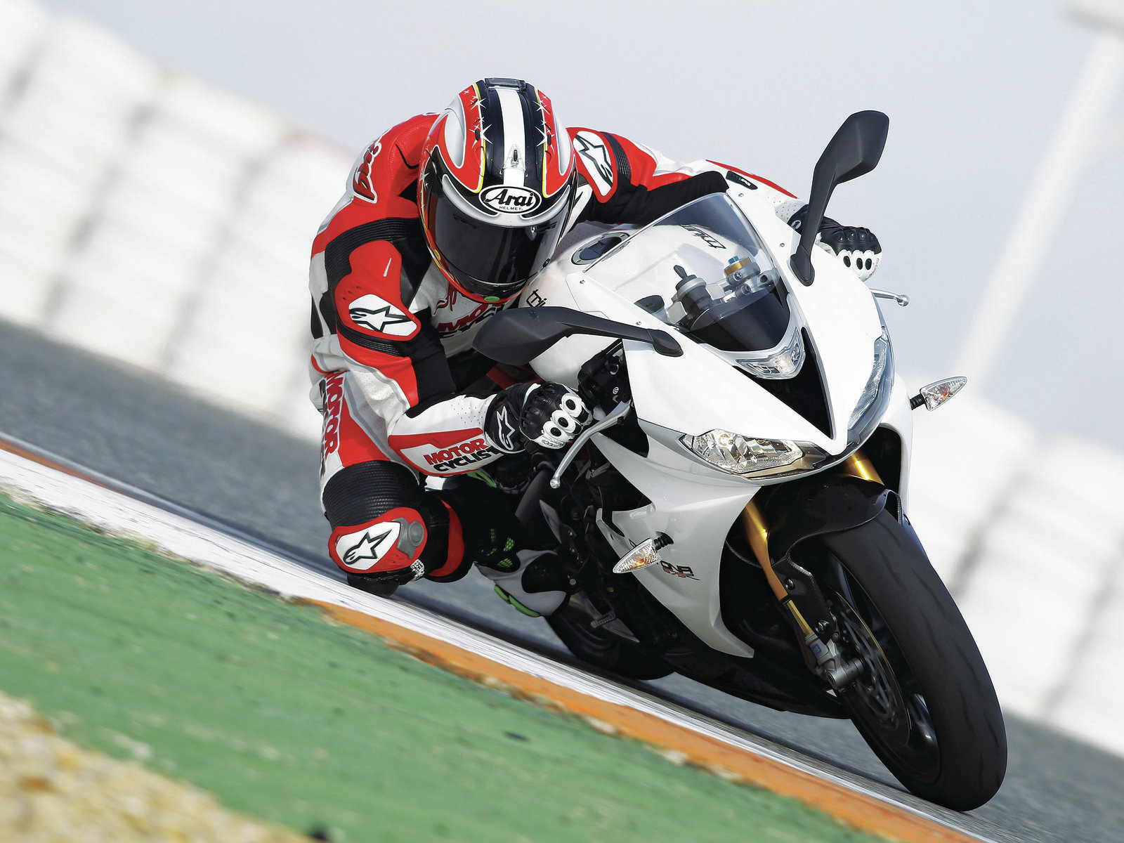 2013 Triumph Daytona 675r Motorcyclist