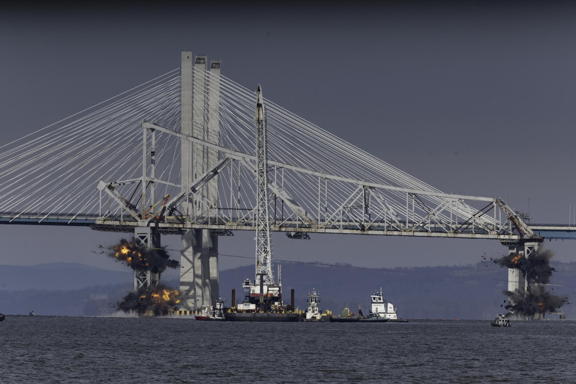 MEGAPIXELS: A fiery end for the old Tappan Zee Bridge