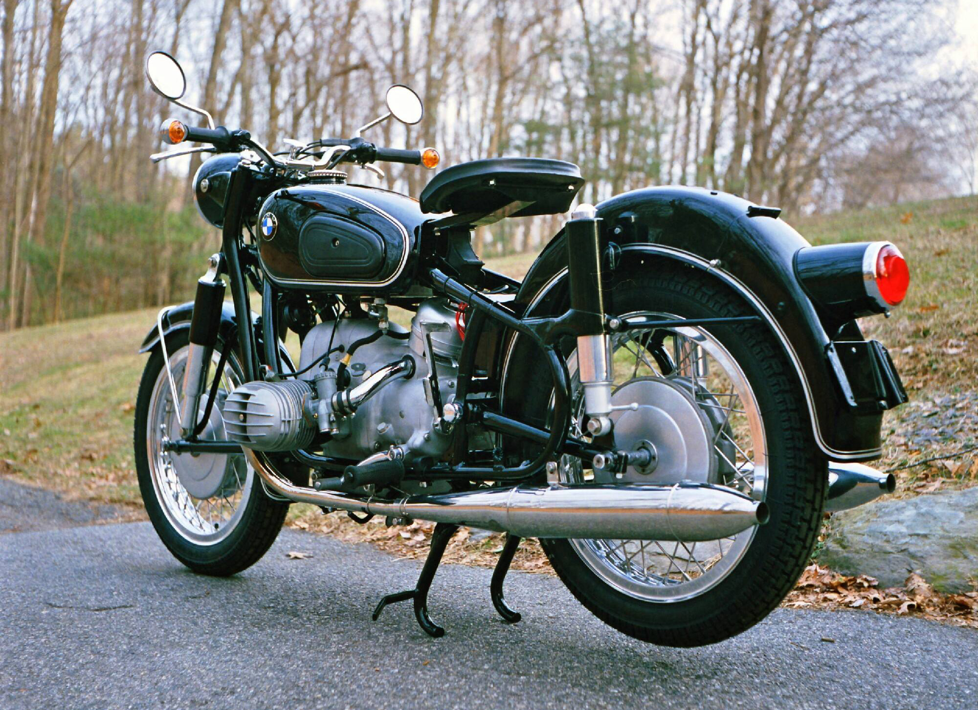 Scottie's Workshop Restores Vintage BMW Motorcycles | Cycle World