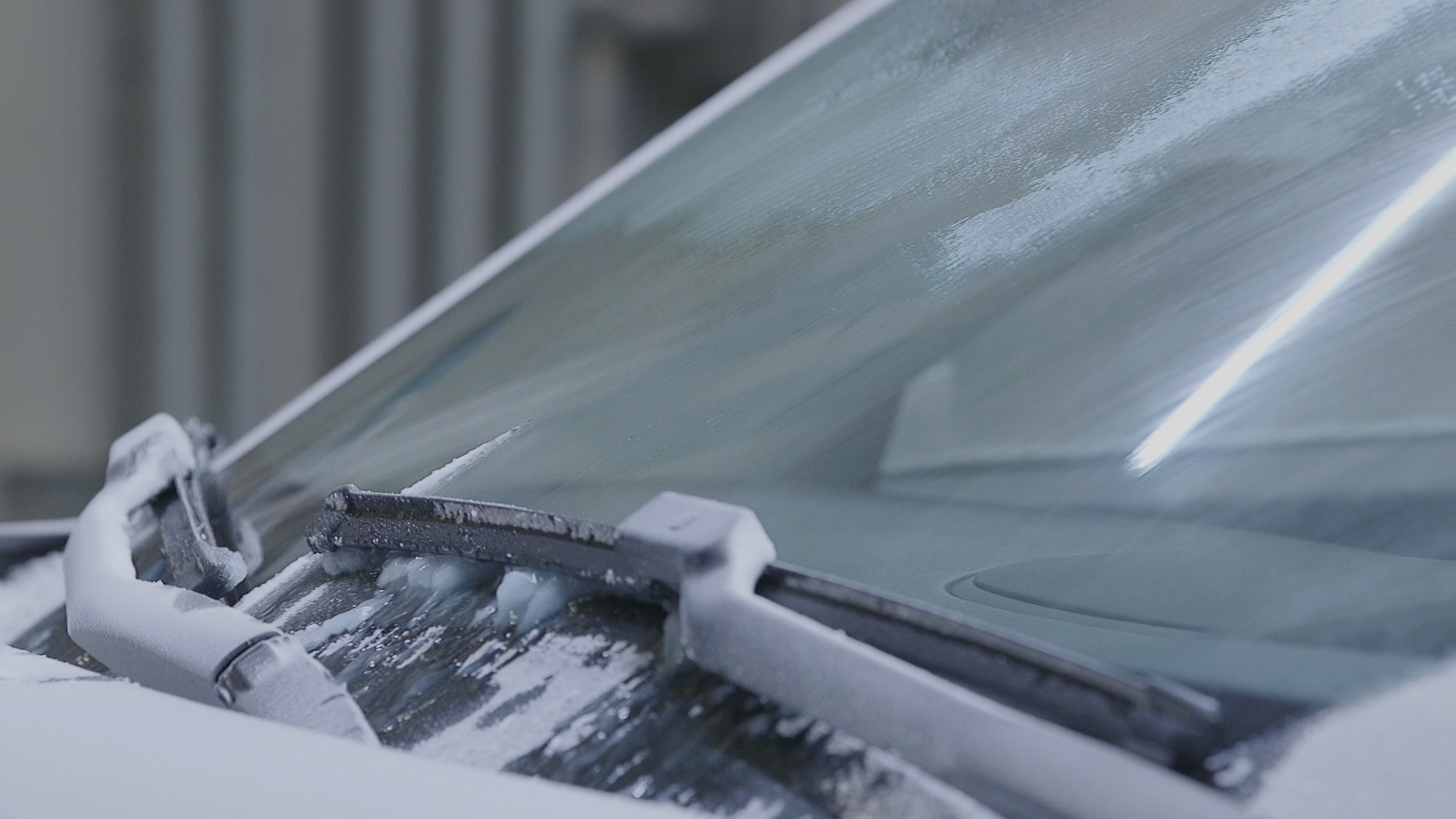 Lincoln's new heated windshield wiper tech could make winter driving a lot simpler